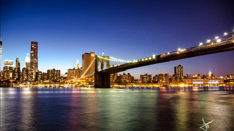 brooklyn_bridge_new_york-1366x768.jpg